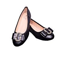 Ladies black flat shoe