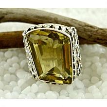 Lemon Quartz Semi Precious Gemstone in 925' Sterling Silver Ring Size 7.