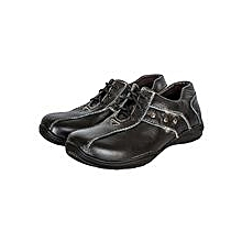Black Closed Shoes With Laces