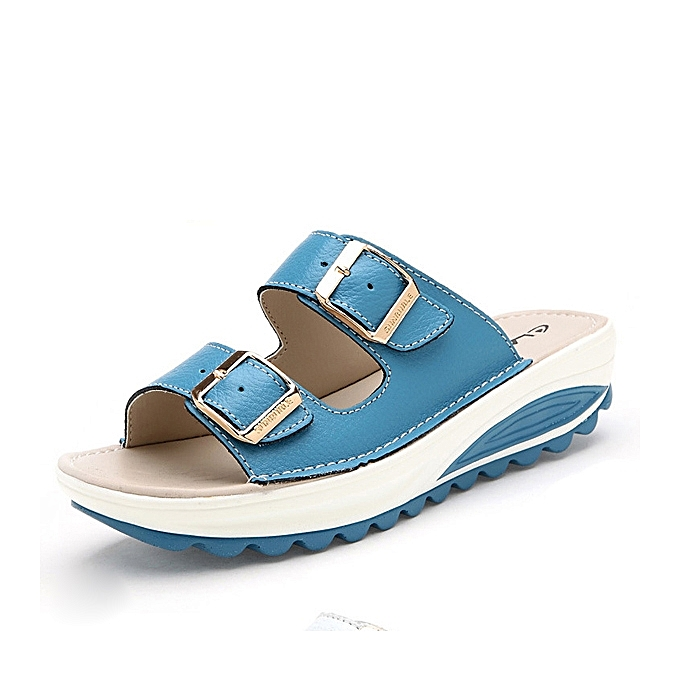 fa1b17554361 Socofy Big Size Soft Leather Buckle Peep Toe Slippers Slip On Beach Platform  Sandals