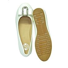 white flat shoe