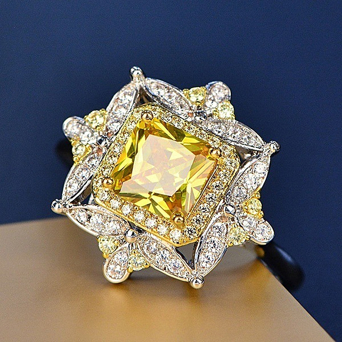 c78ffc814a734 Luxury Party Engagement Ring Yellow Diamond Square Diamond Engagement Ring