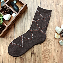 Men Fall Winter Sports Basketball Casual Rhombus Grid Cozy Socks