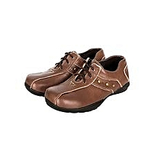 Brown Closed Shoes With Laces