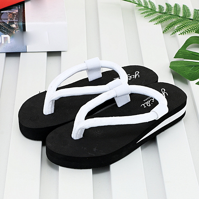 58db77d5 Fashion Flip-Flop Sandals Slippers beach Home Slippers @ Best Price ...