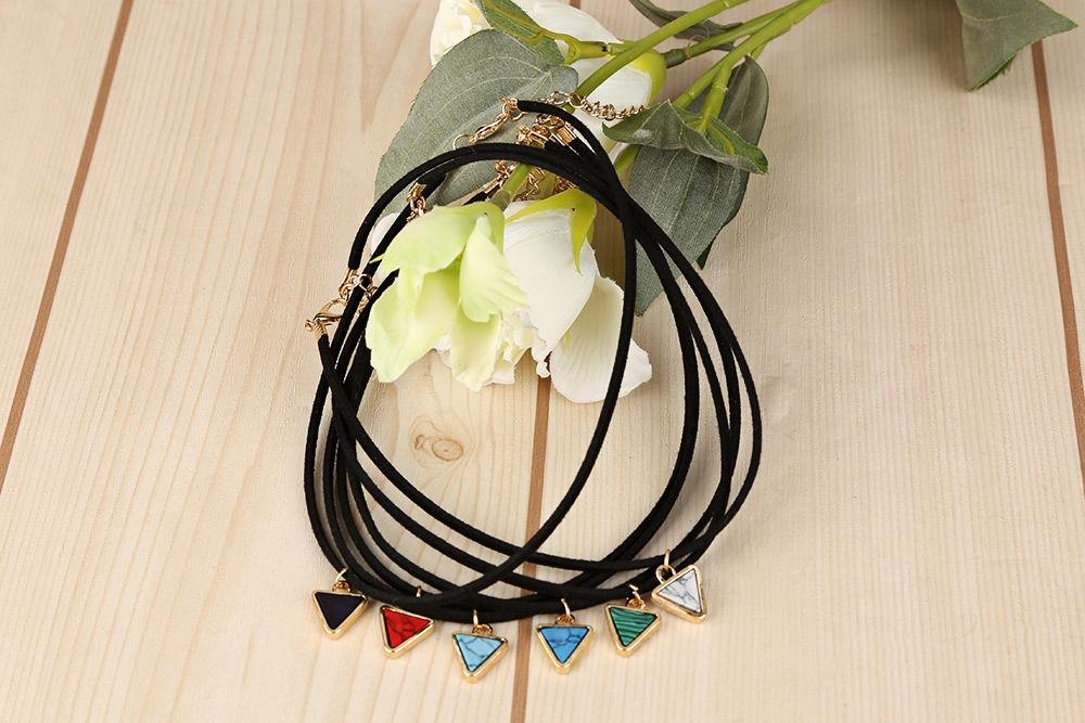 Women Short Retro Turquoise Pendant Necklace Short Clavicle Chain