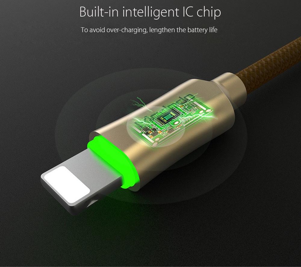 MCDODO CA - 390 Knight 2.4A 8 Pin Breathing LED Transfer Data Synchronization Charging Cord 1.2M