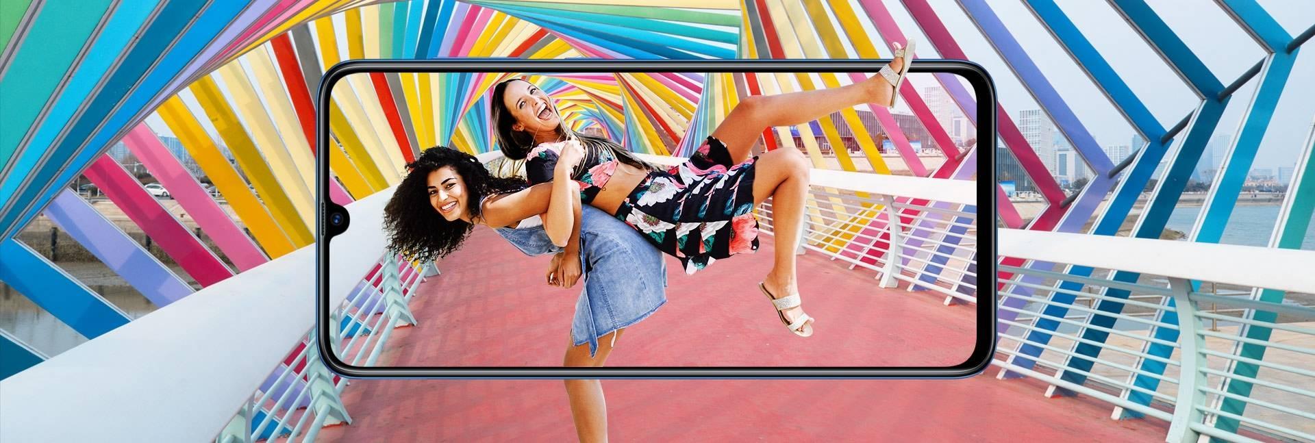 Samsung Galaxy A70 - sAmoled 6.7 inch Infinity-U Display