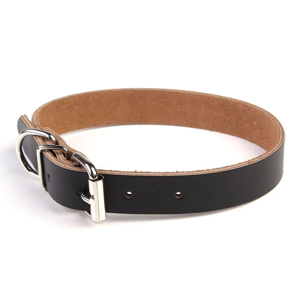 Simple and elegant leather pet collar. Made of high quality cow leather. Durable for use, perfect for your pet. Color: Black Material: Leather