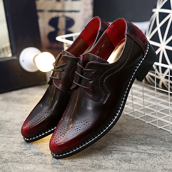 040b7976c553f Men Casual Shoes Patent Leather Shoes Bullock Vintage Carved Business  Wedding Footwear