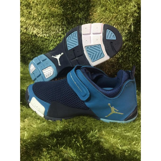 Fashion Jordan Shoes Men @ Best Price
