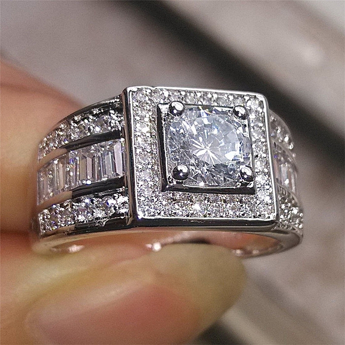 Best Selling Decorations Inset A Man The Diamond Ring Vogue 18 K Platinum Wedding Ring