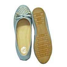 Grey flat shoes