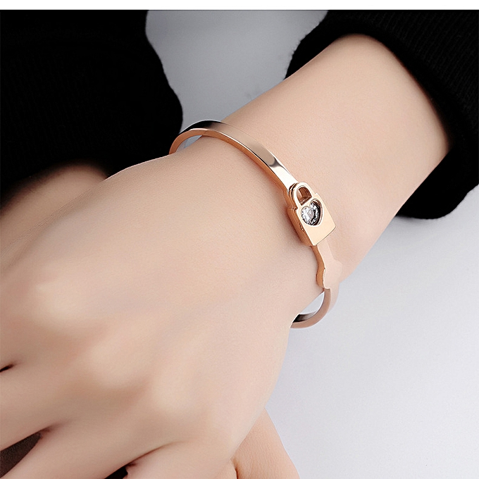 886f9bc0f2f9 Rose Gold Hand Jewelry Simple Titanium Steel Girls Love Lock Ring Bracelet  Jewelry Carved Gift-