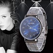 Women Retro Alloy Steel Bracelet Watch Watches Star Pattern Fashion Table B